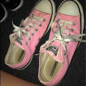 Pink converse size 9.5
